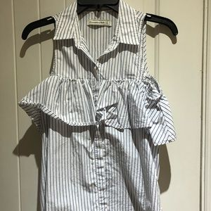 Abercrombie & Fitch sleeveless blouse